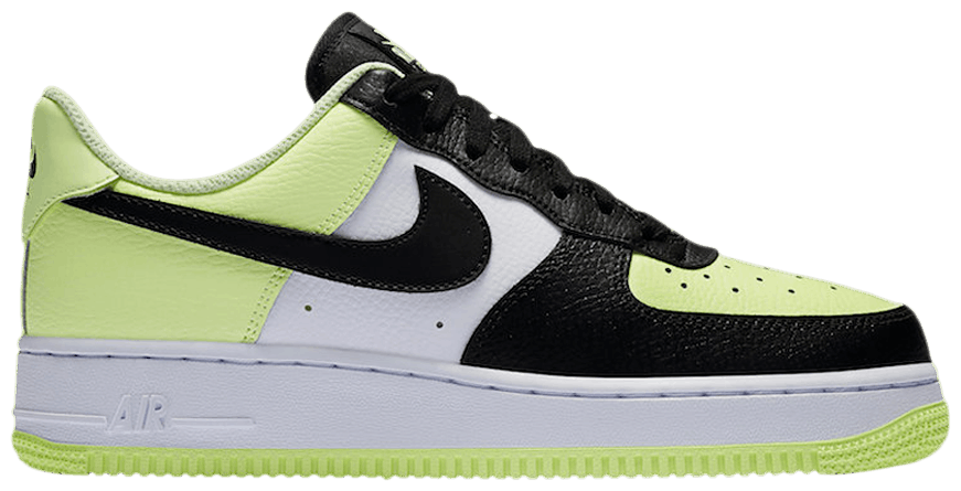 Tênis Nike Air Force 1 Low Barely Volt