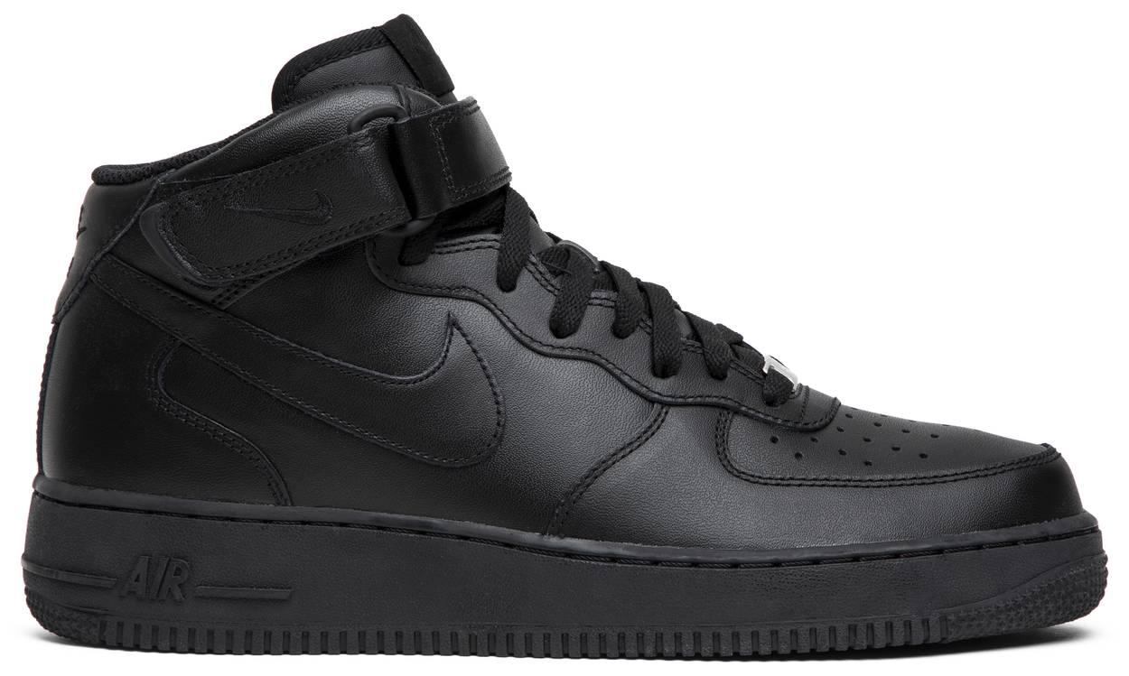 Tênis Nike Air Force 1 Mid Triple Black