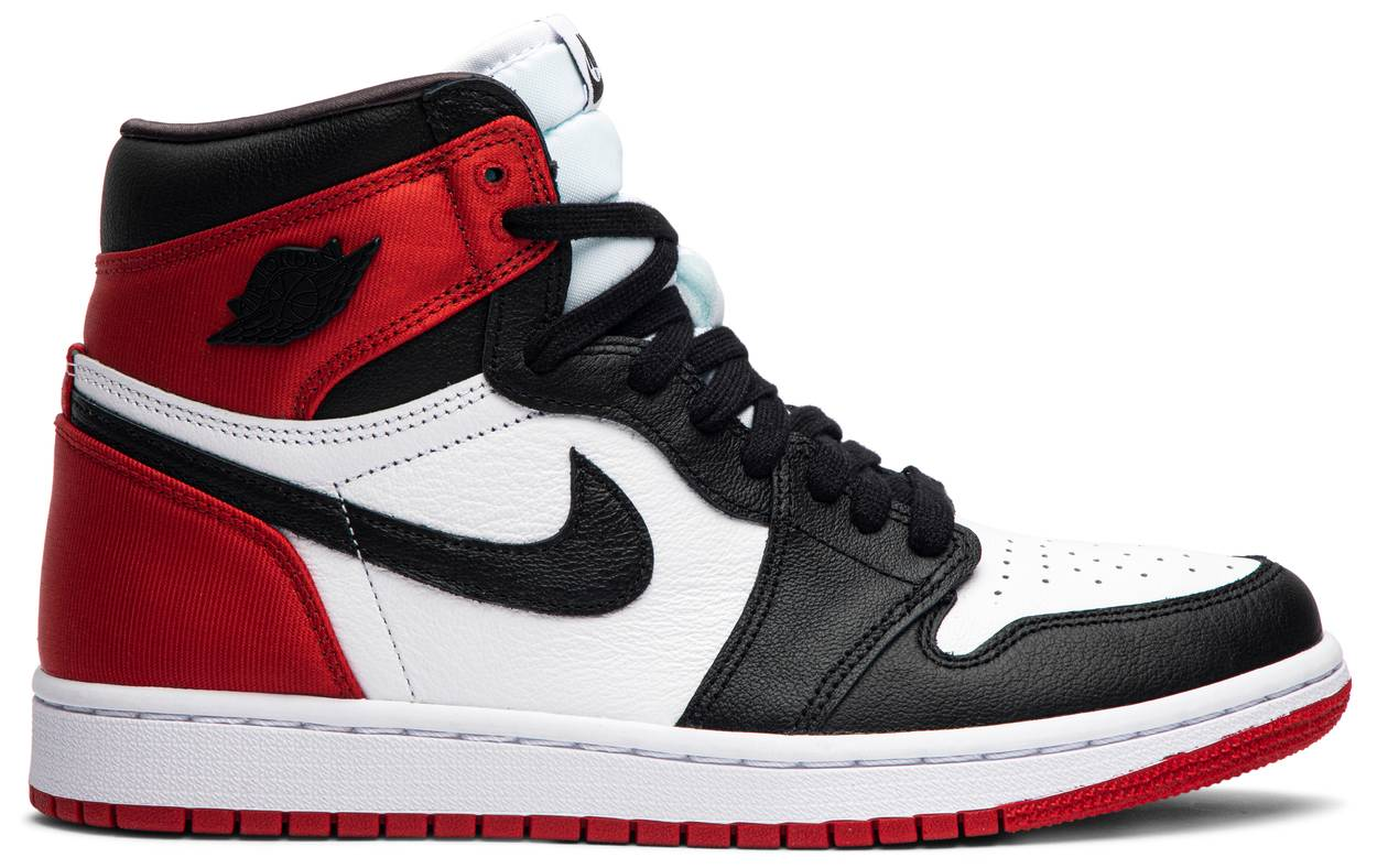 Tênis Air Jordan 1 Retro High Satin Black Toe
