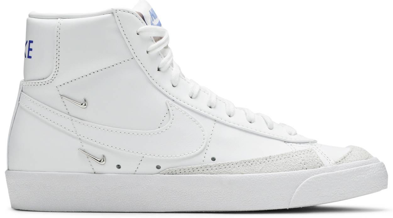 Tênis Nike Blazer Mid 77 SE Sisterhood - White Metallic Silver