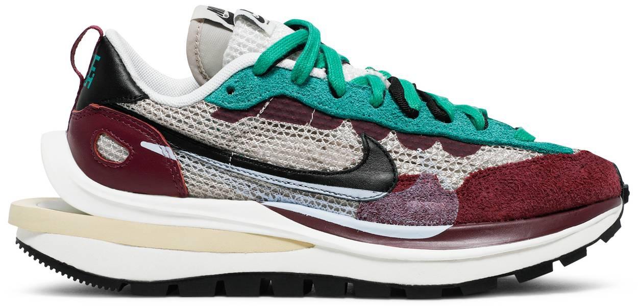 Tênis Nike Sacai x VaporWaffle SP Villain Red