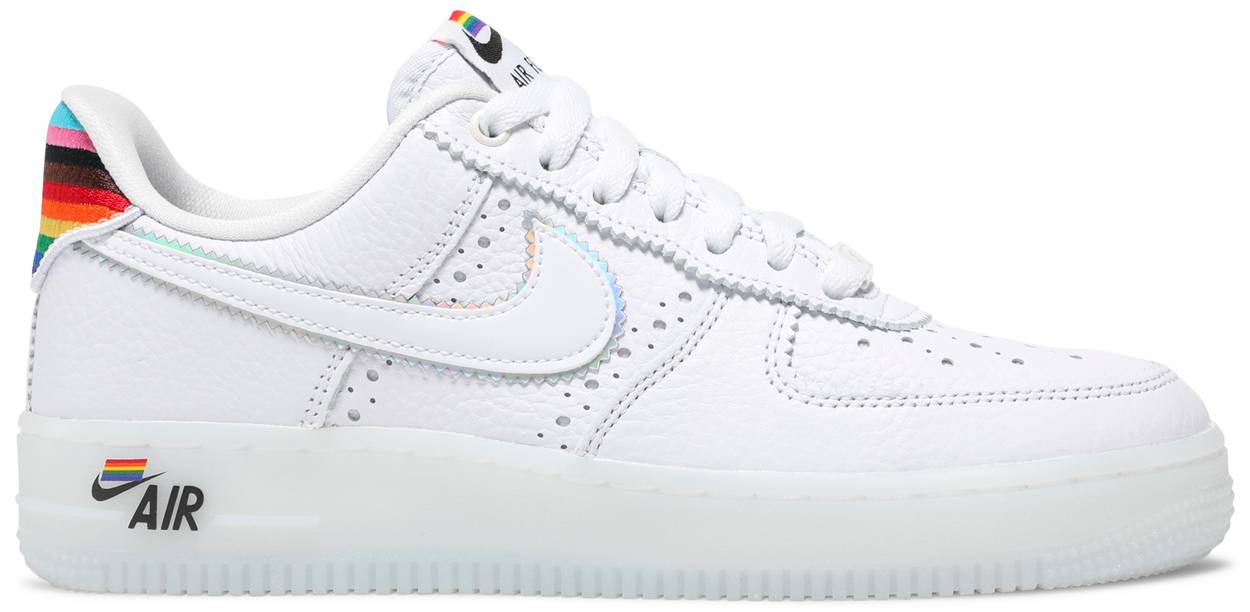 Tênis Nike Air Force 1 Low Be True