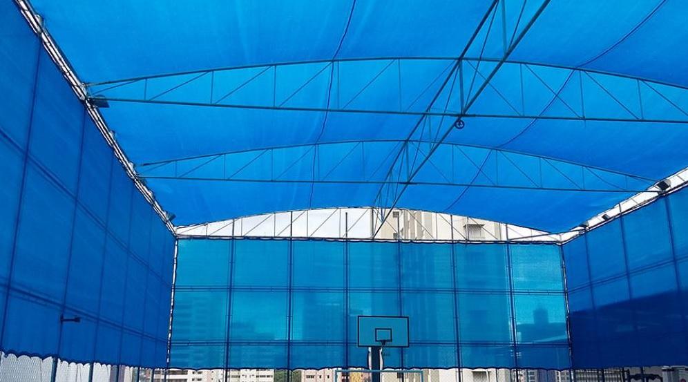 Tela de Sombreamento 80% Azul com Bainha e Ilhós - Largura: 1 Metro