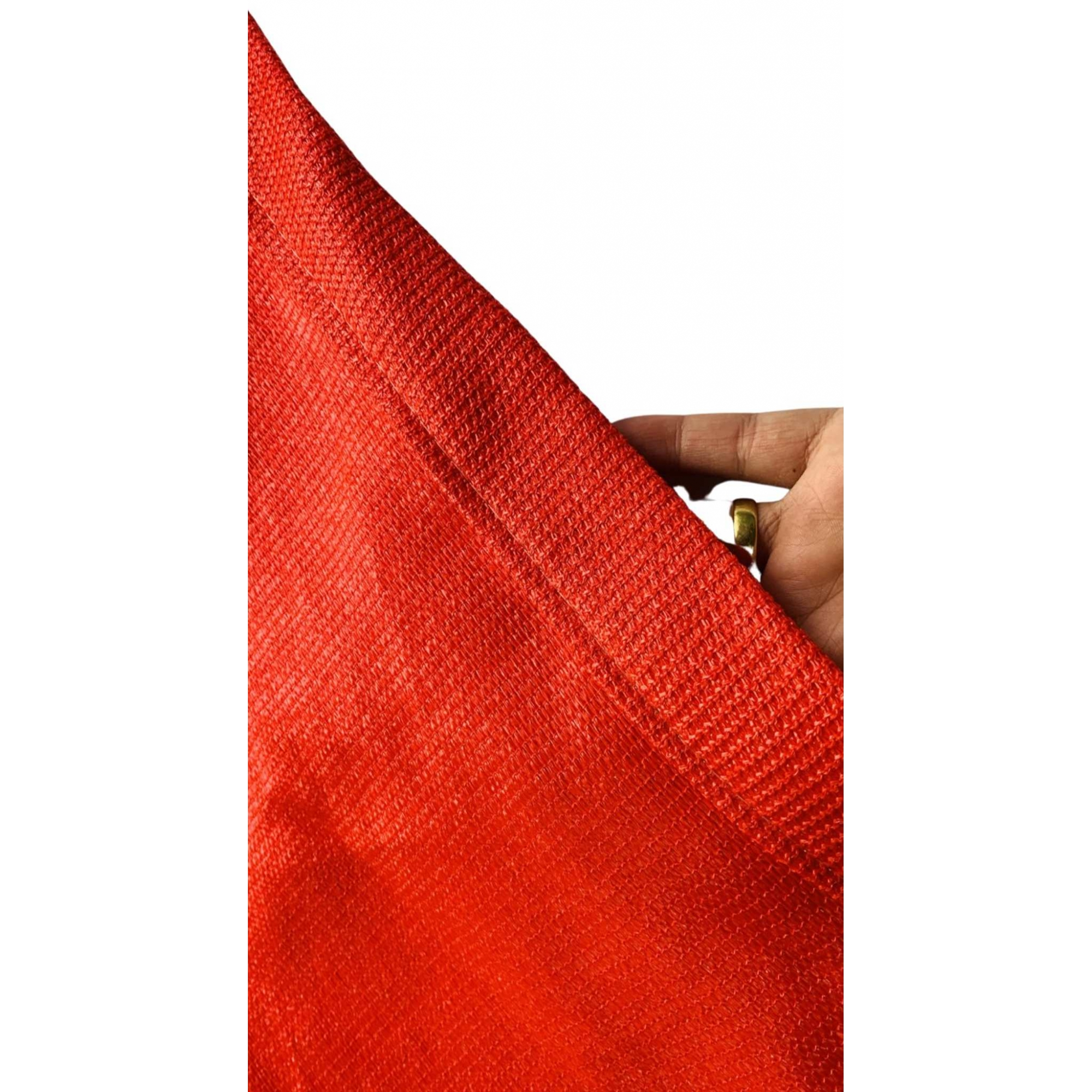 Tela de Sombreamento 90% Vermelha com Bainha e Ilhós - Largura: 4,5 Metros
