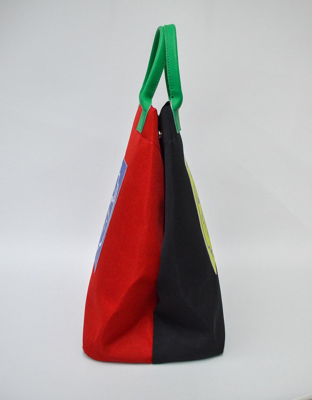 Bolsa Balde de Mão Preta e Vermelha Fefa Bicolor