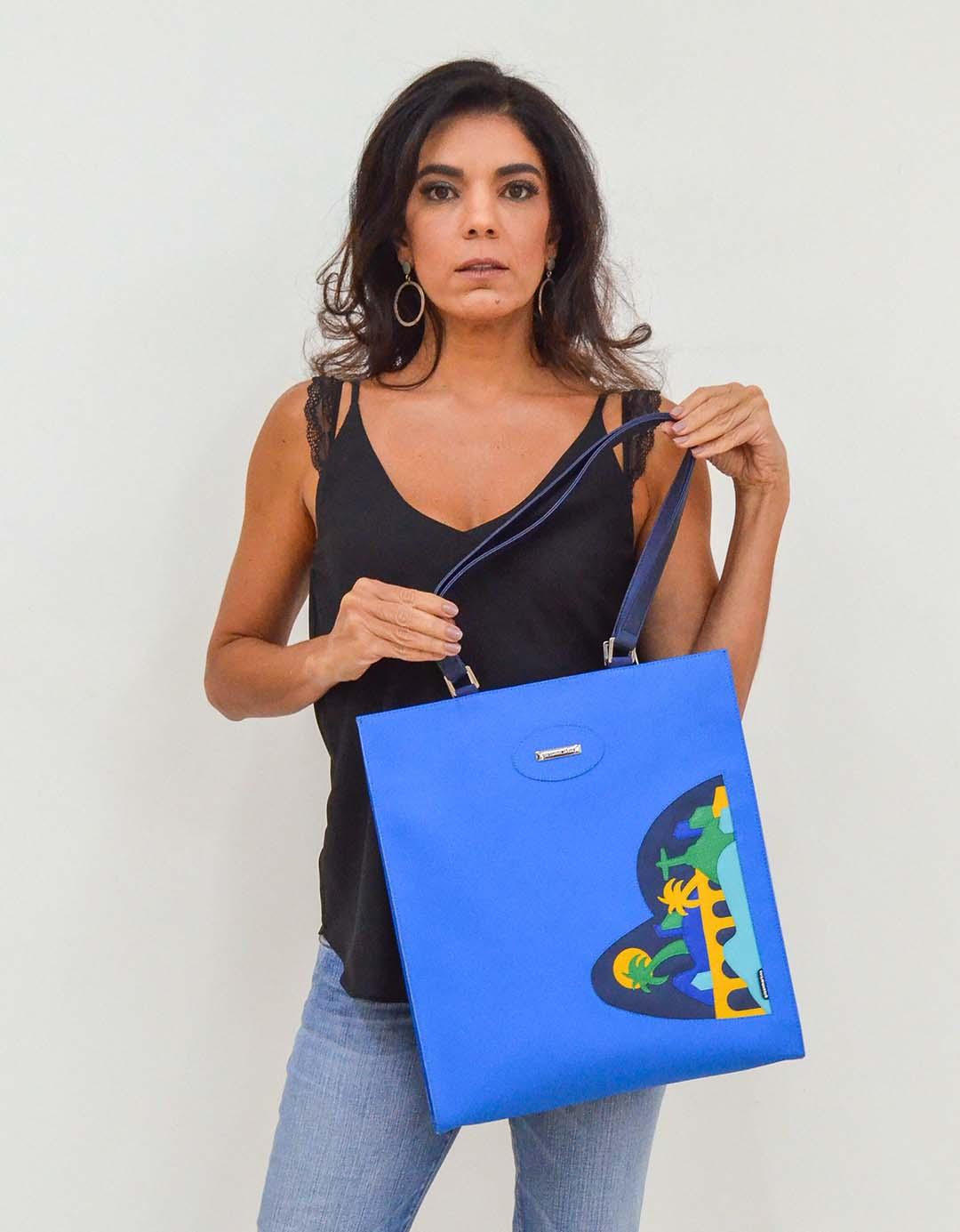 Bolsa de Ombro Azul Artesanal Release Lixo Nobre
