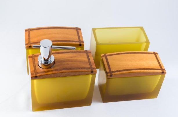 Conjunto Acessórios Resina/Madeira Ouro Cristal