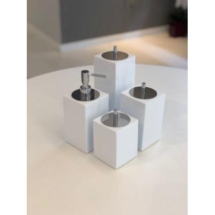 Conjunto Quadrado para Banheiro 4 peças com Tampa Cromada e Acabamento Branco