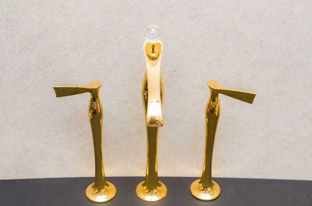 Misturador de Lavatório Brizzo bica alta RSVP dourado com cristal