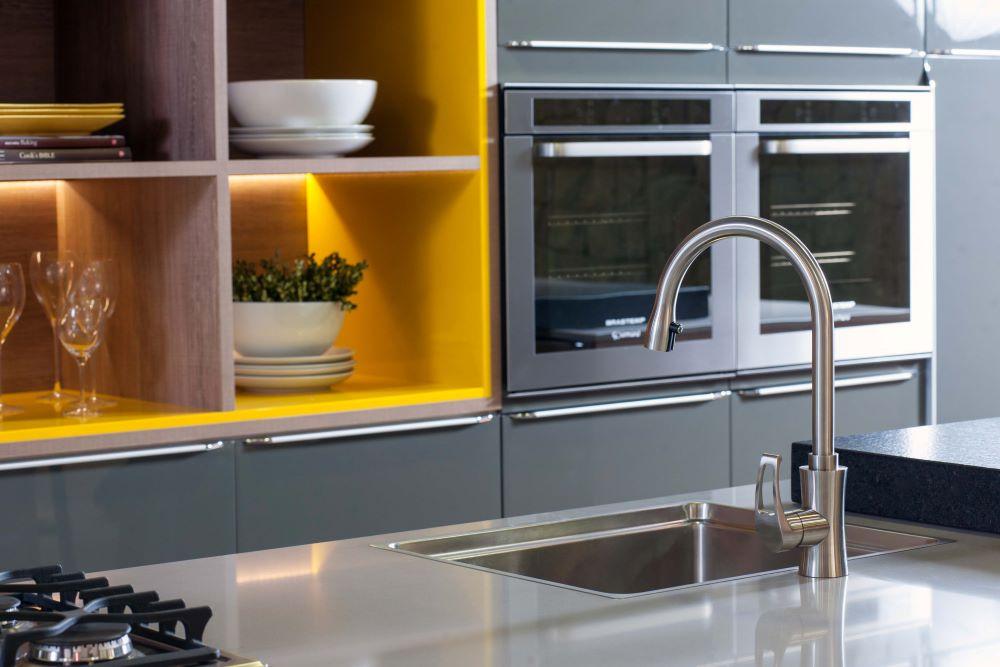 Misturador Monocomando para Cozinha com Bica Alta Giratória Acabamento Aço Escovado - Linha Gourmet Aço Inox