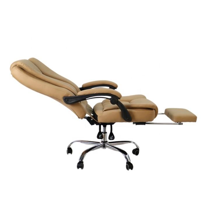 Cadeira diretor com descanso de pé
