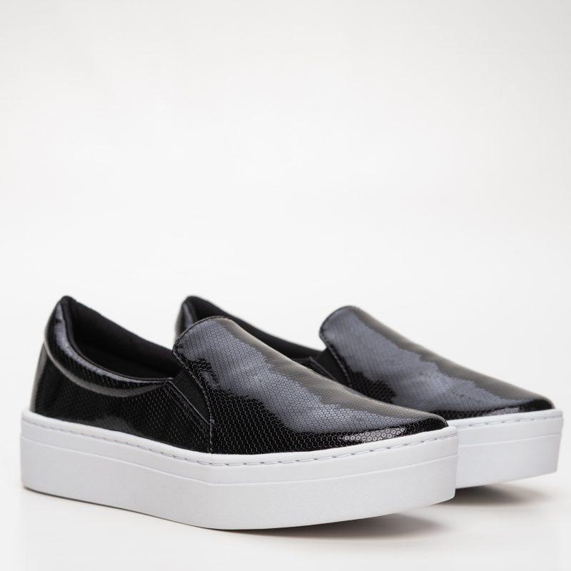 Slip-on  Black