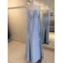 Vestido madrinha de casamento de Azul Serenity.  Para casamento noturno.