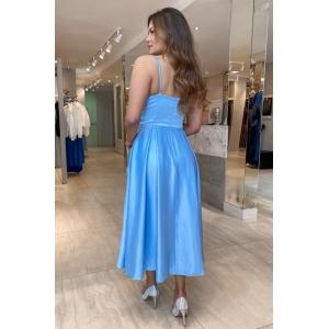 Vestido para convidada de casamento Azul Serenity. Para festas diurnas e noturnas.