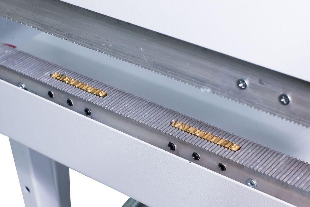 Seladora para Embalagem Aluminizada com 2 datas Recravada Pedal 30cm