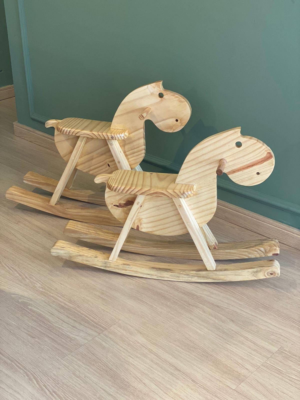 Cavalo de balanço madeira cavalinho de madeira