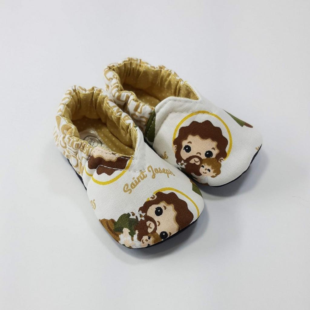 Coleção Santinhos - Sapatinho Pantufinha São José