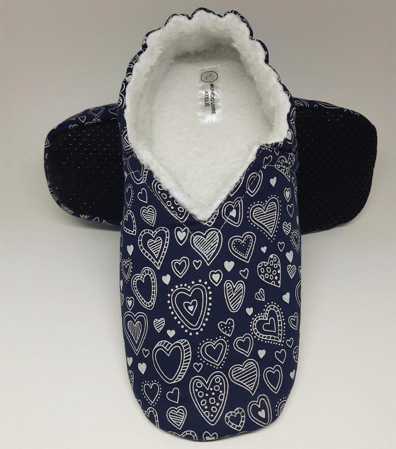 Pantufa Azul Marinho Corações com Pelúcia Branca - do RN ao 44