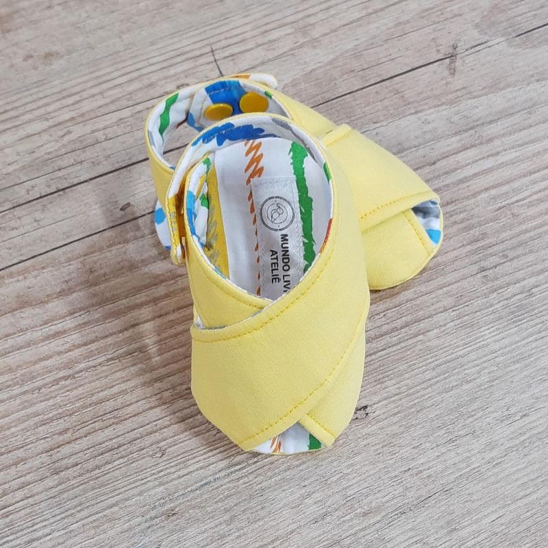 Sandalinha Cruzada Amarelo Listras