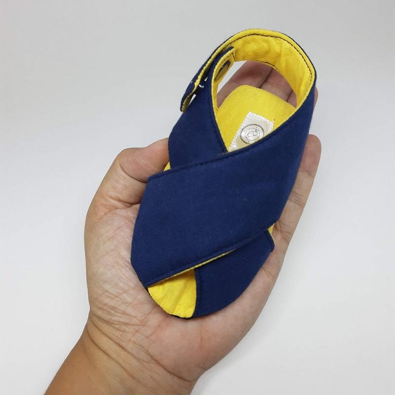 Sandalinha Cruzada Azul Marinho e Amarelo