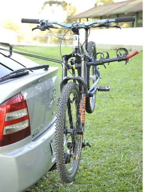 Transbike Altmayer AL50 para 3 bicicletas - Modelo bola de reboque
