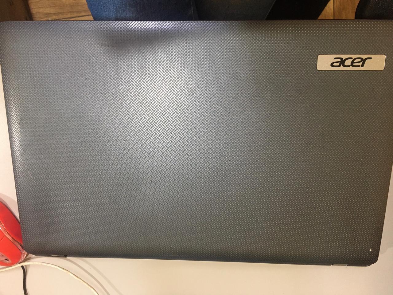 Notebook Acer 5733 i3 2gb 320gb