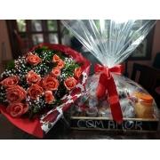 Bandeja de café da manhã especial com flores