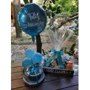 Bandeja especial para aniversario com balão personalizado