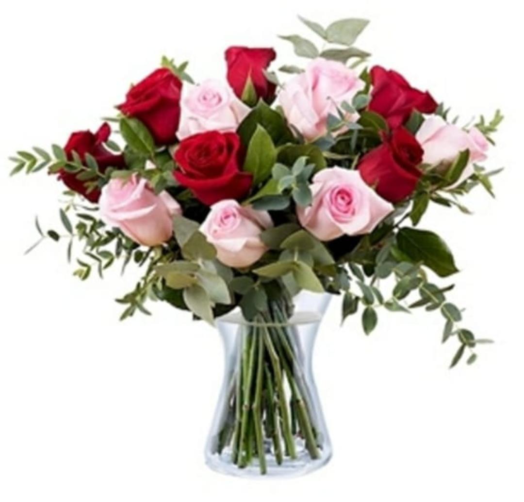 Bouquet de Rosas na Jarra