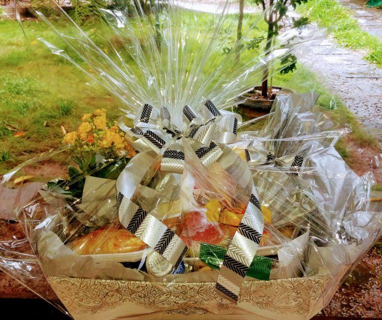 Cesta de Café da Manhã Tradicional (Caixa decorada)