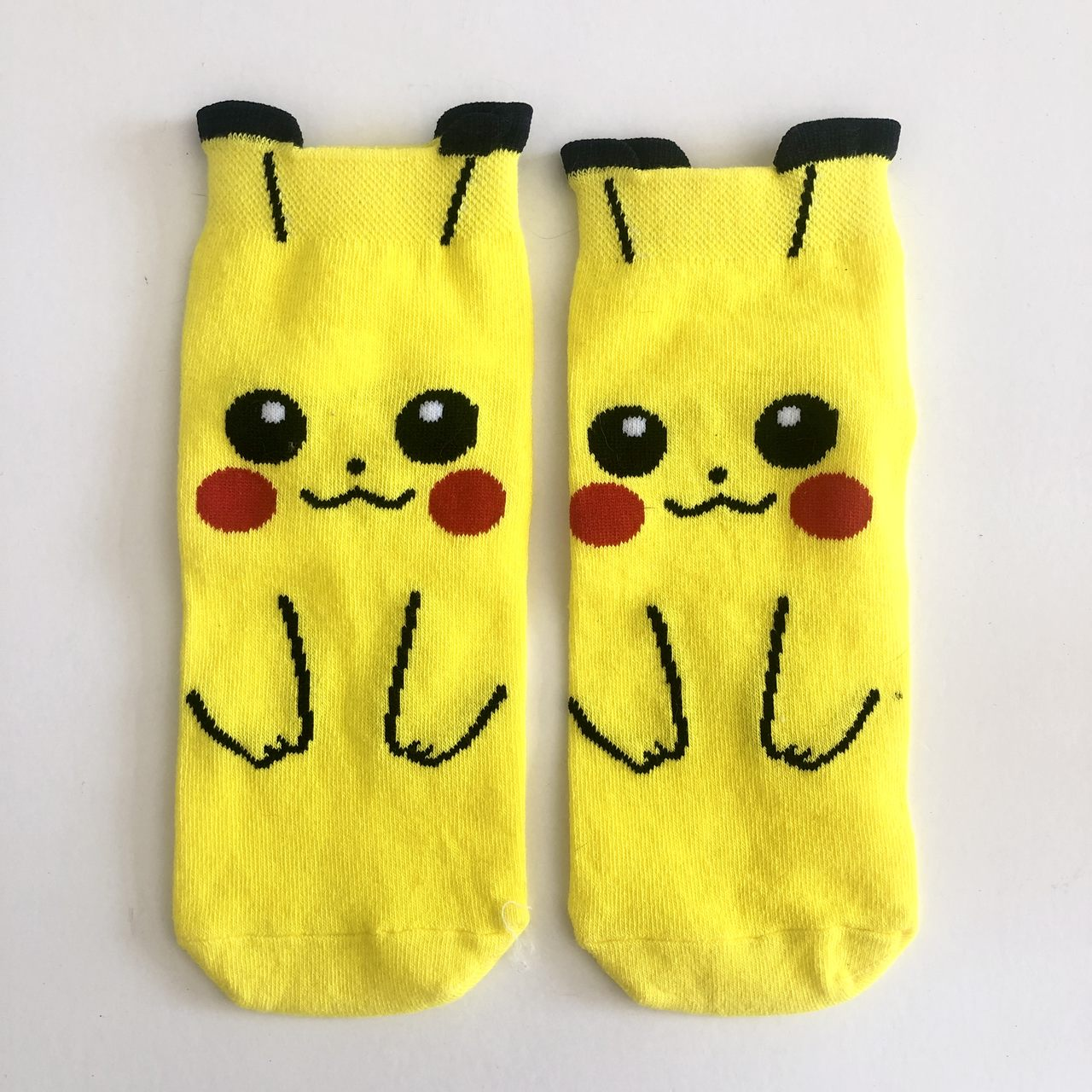 Meia Pikachu
