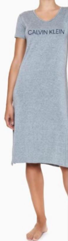 camisola longa com fendas nas laterais