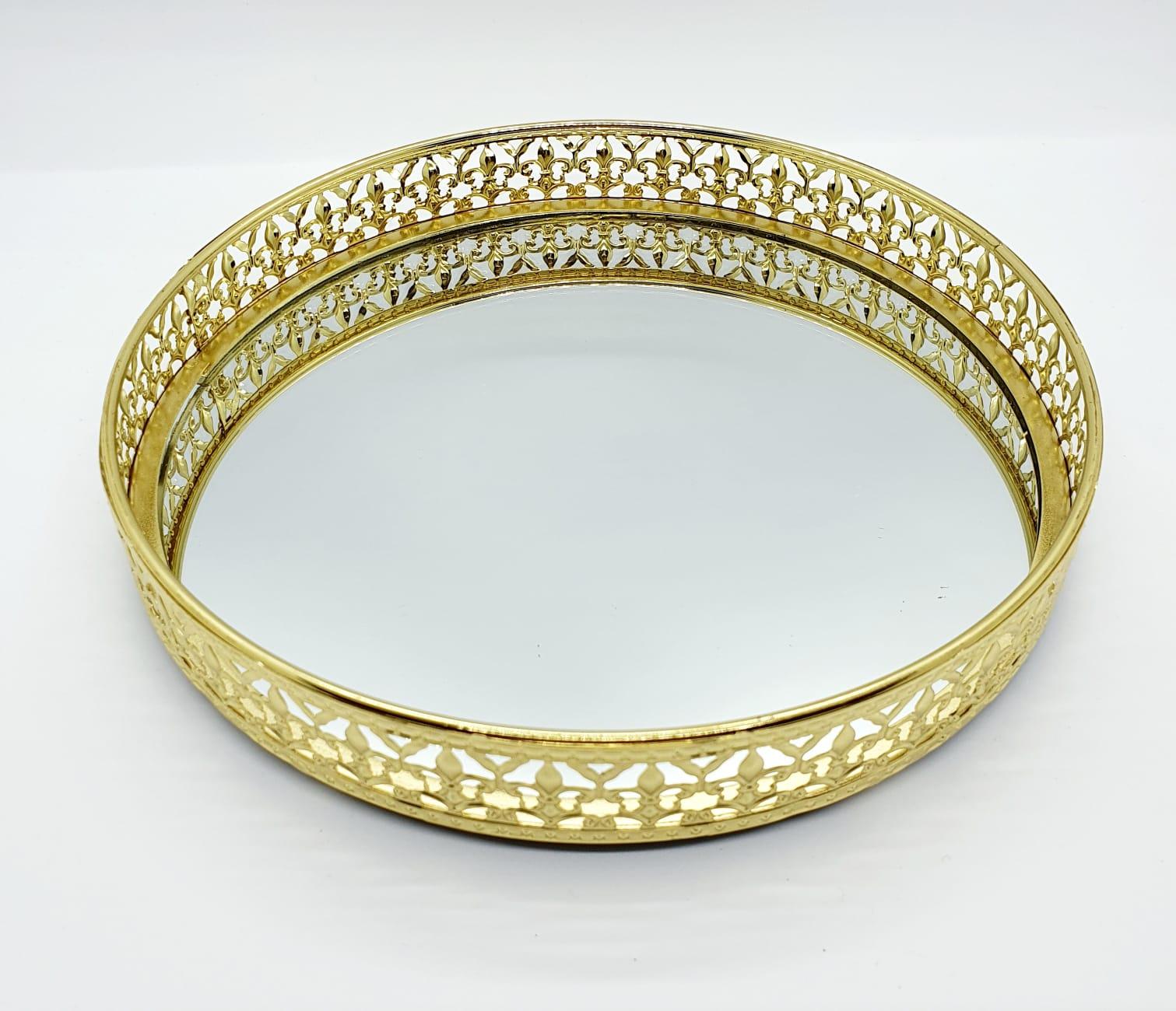 Bandeja decorativa de metal espelhada