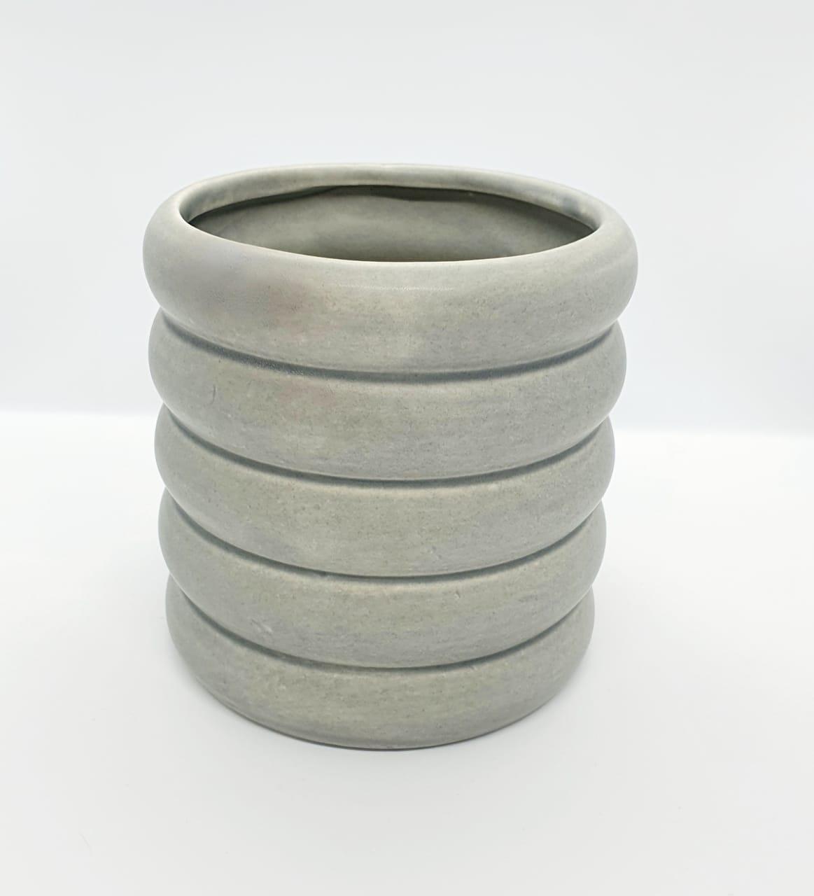 Cachepô em cerâmica arrodondado - cinza