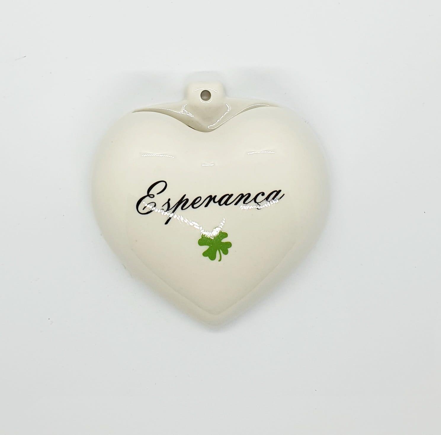 Cachepô de parede coração em porcelana - Esperança.