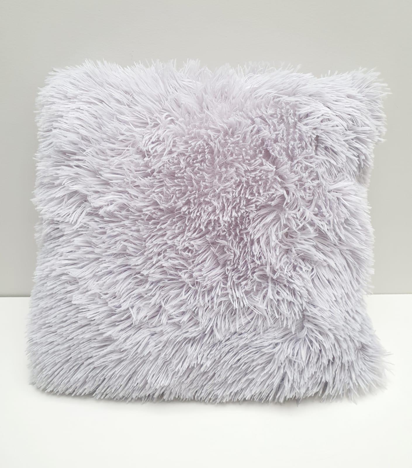 Capa para almofada - pelinhos cinza