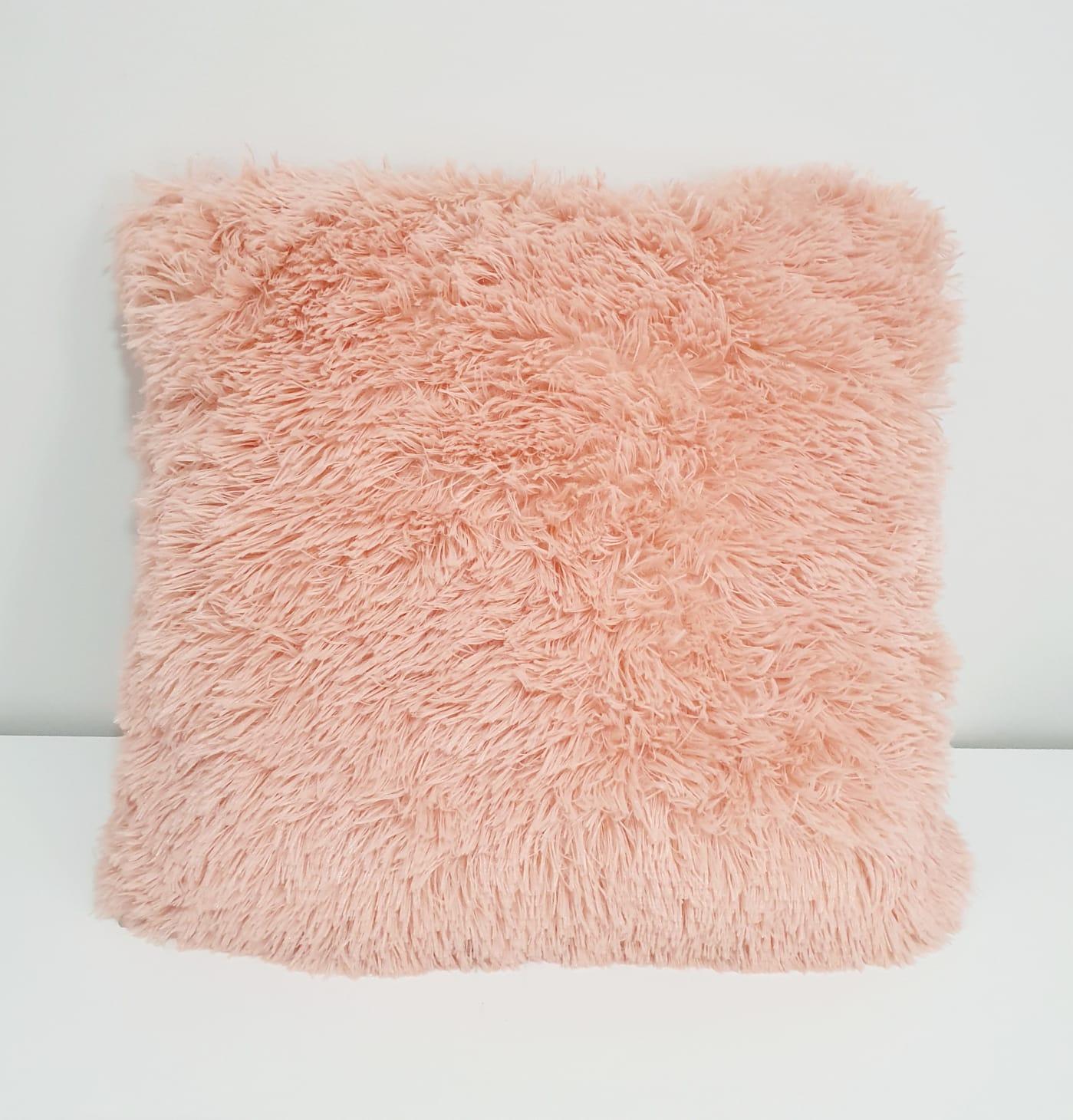 Capa para almofada - pelinhos rosa