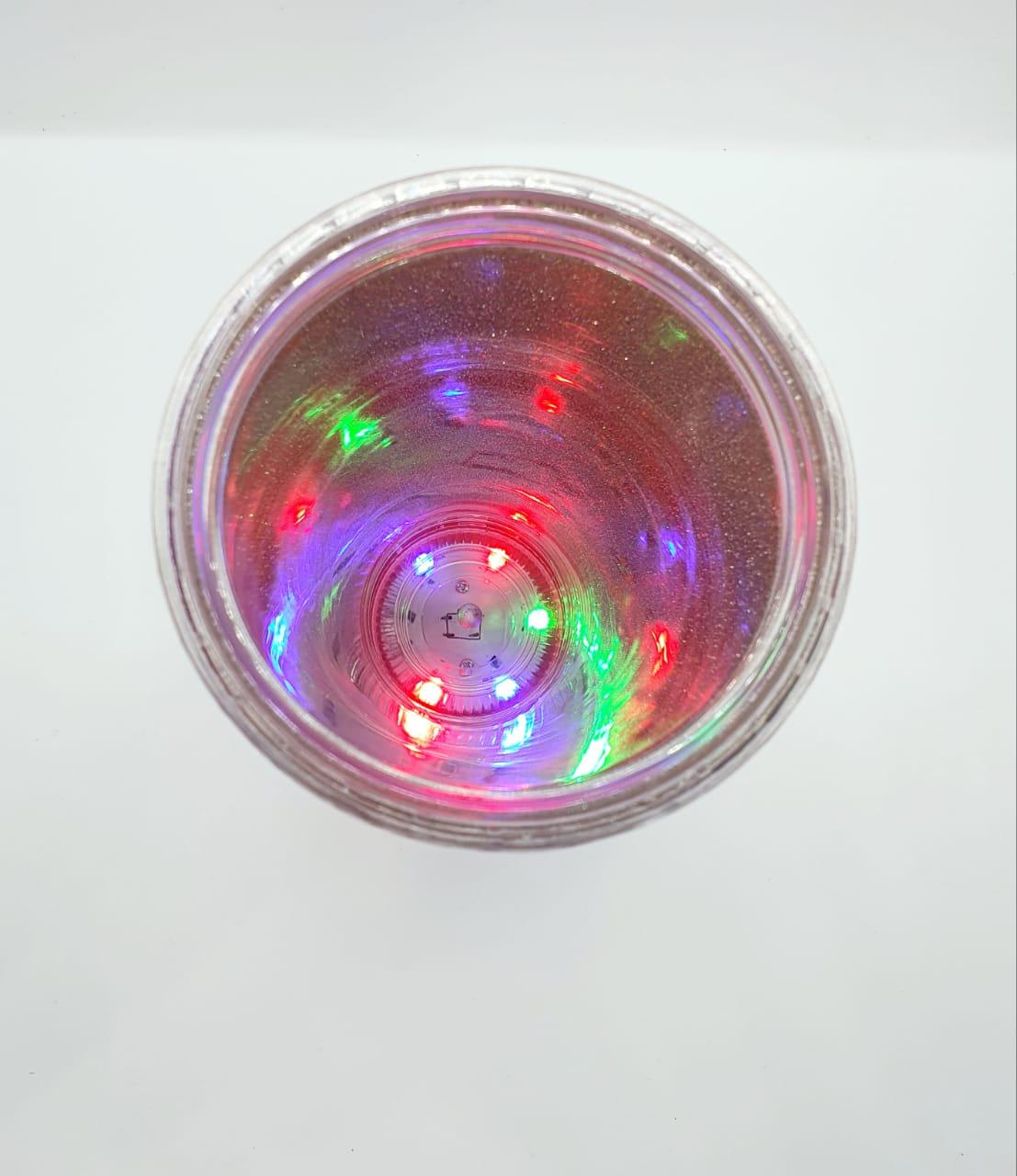 Copo com canudo em LED - A vida é da cor que você pinta