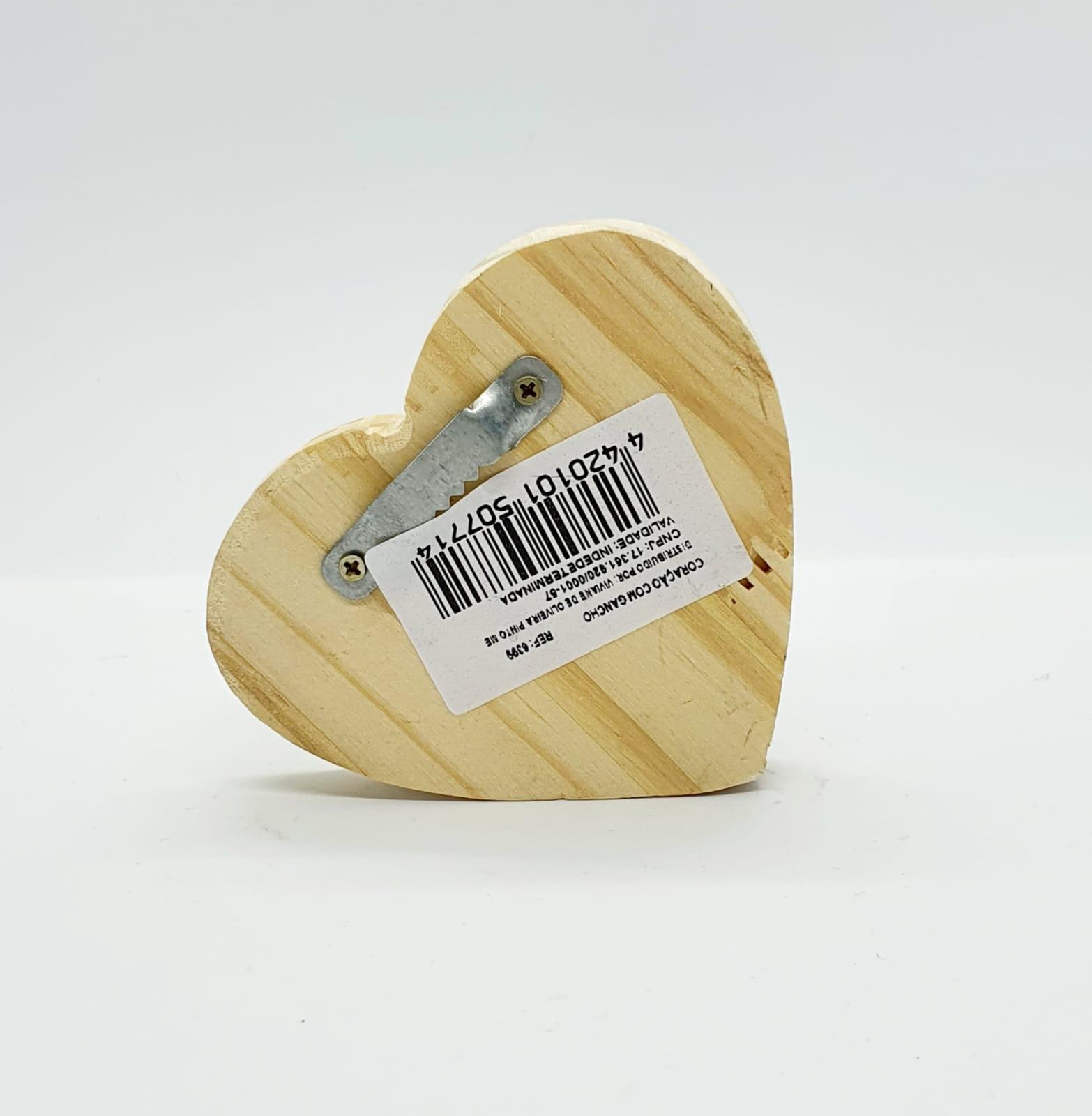 Coração de madeira com gancho de metal - Gratidão