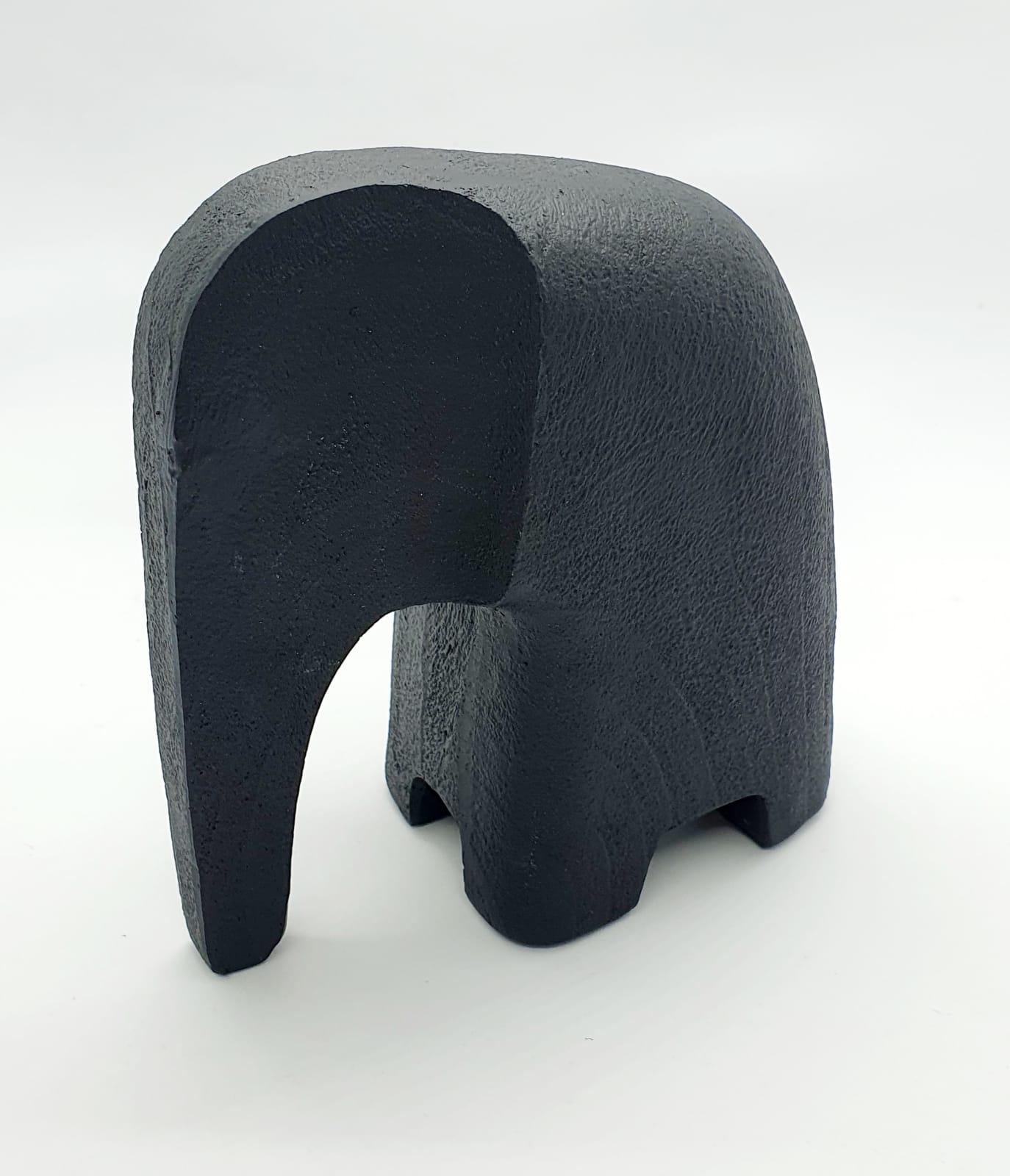 Escultura elefante em poliresina (12 cm x 6 cm X 11 cm)