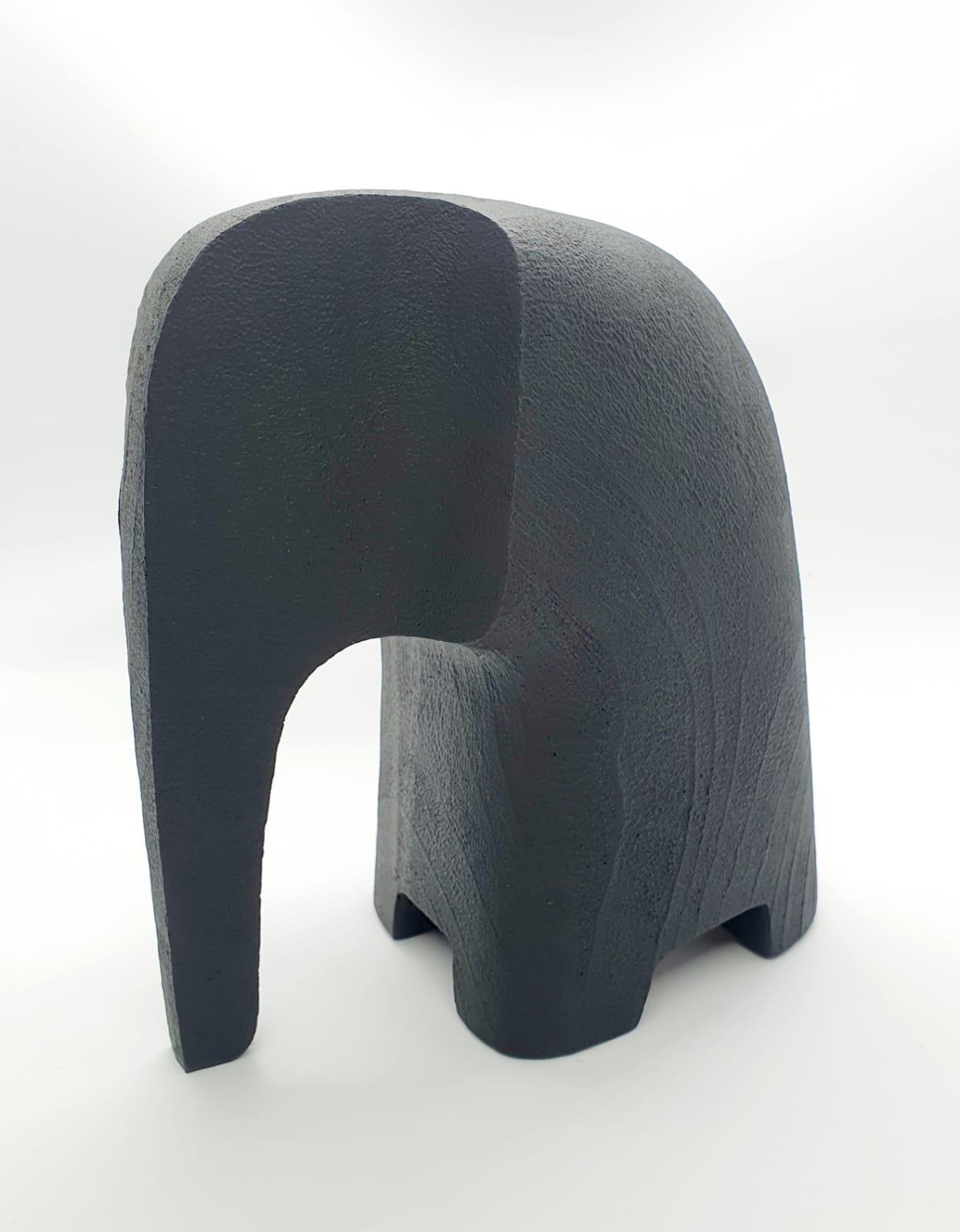Escultura elefante em poliresina (17 cm x 9 cm x 16 cm)