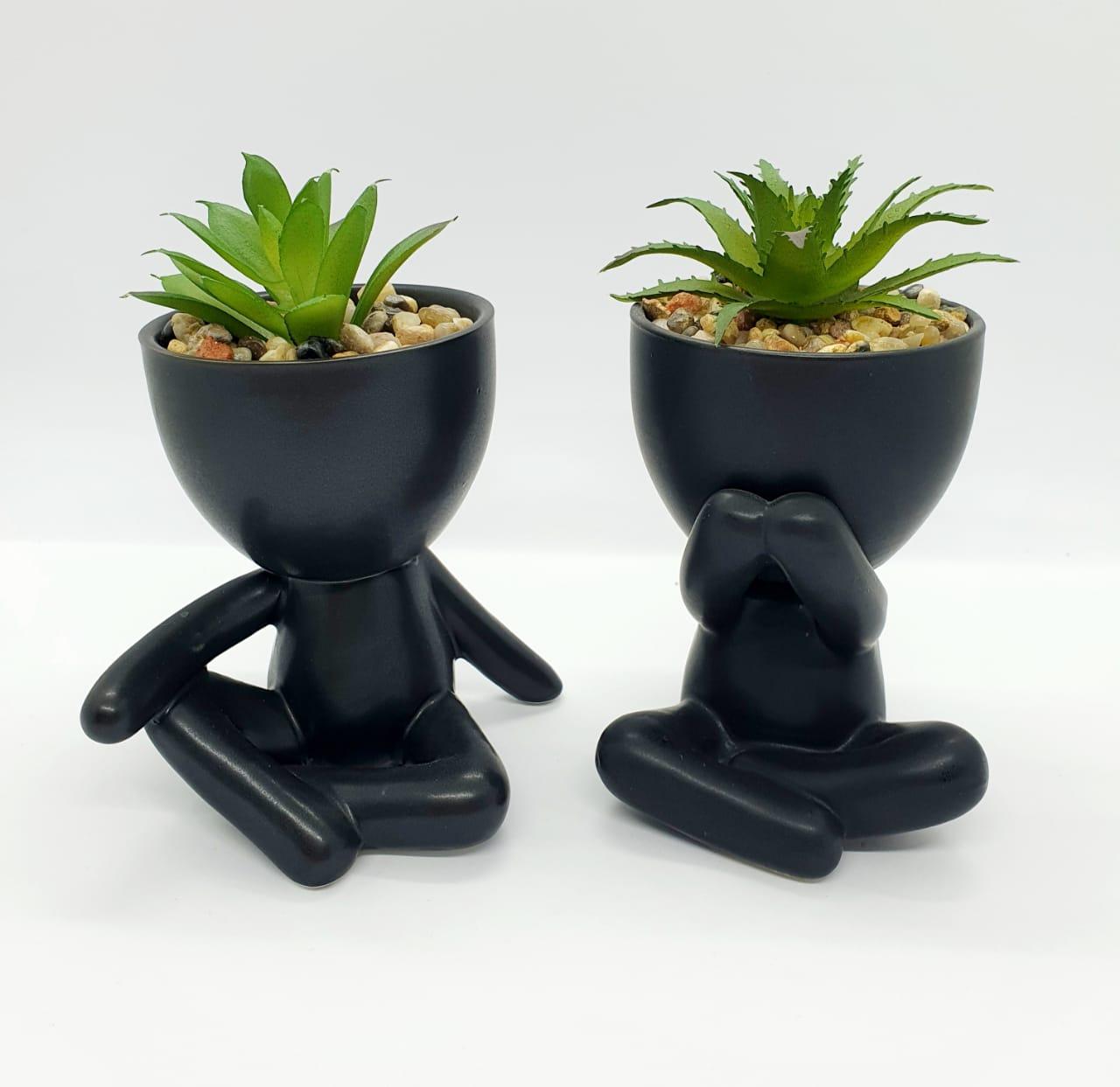 Kit - Vasos Mini Bobs pretos c/ plantas (2 peças)