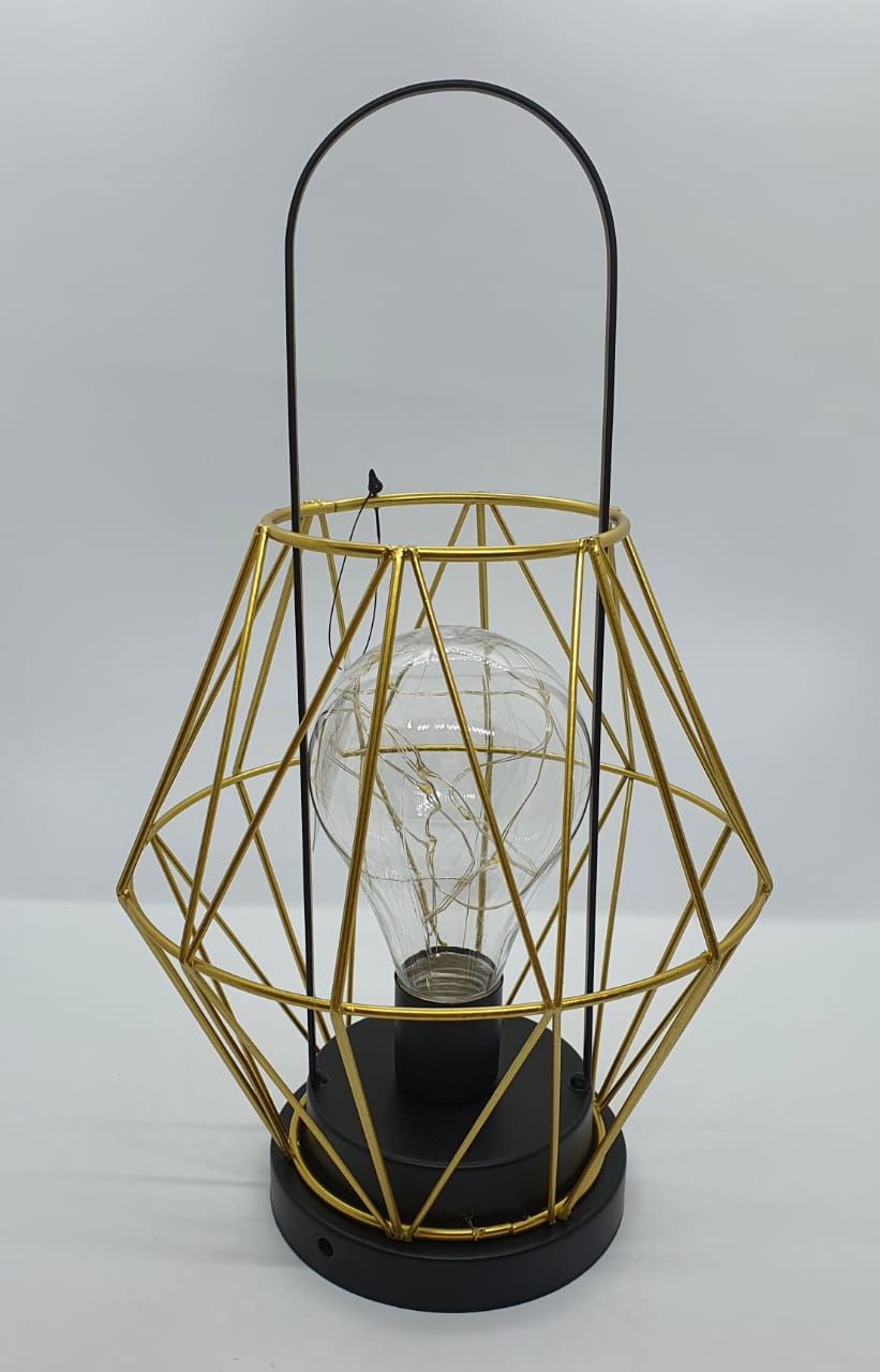 Luminária decorativa aramada dourada - forma geométrica