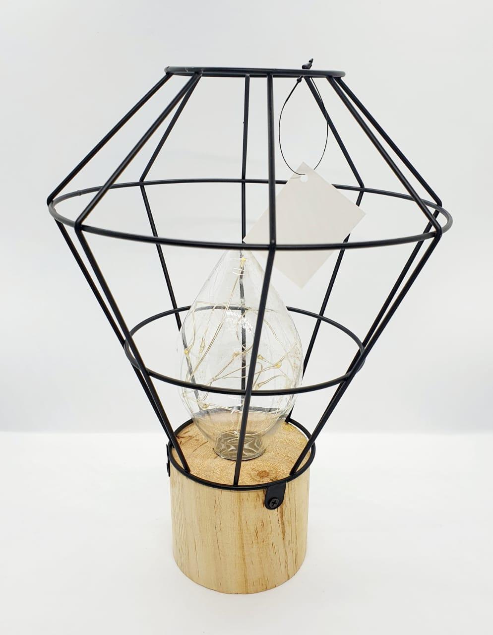 Luminária decorativa aramada preta em metal com madeira - forma geométrica