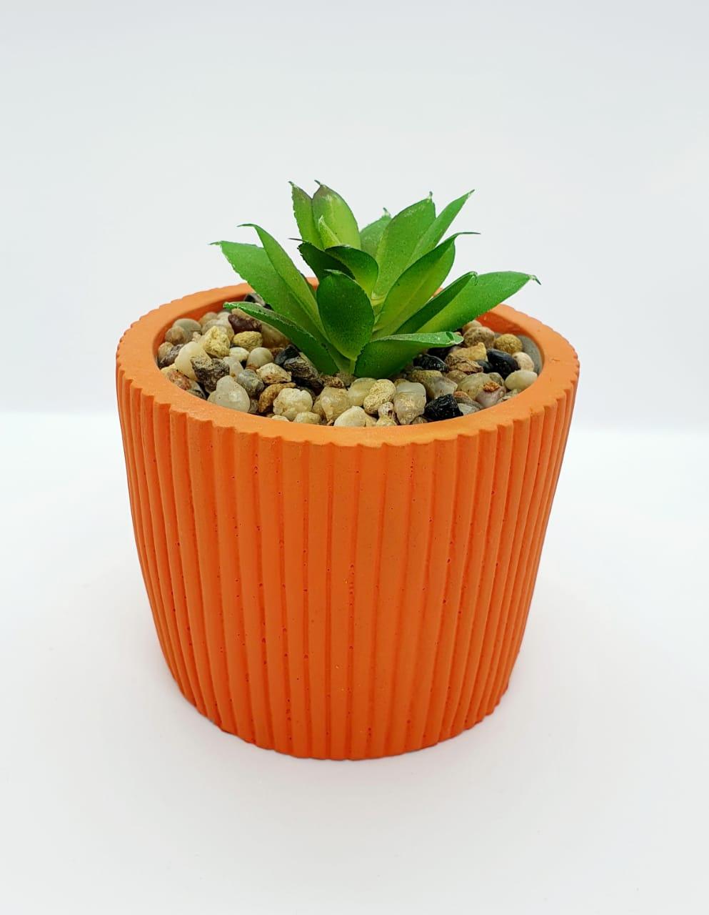 Vaso decorativo de cimento canelado - terracota