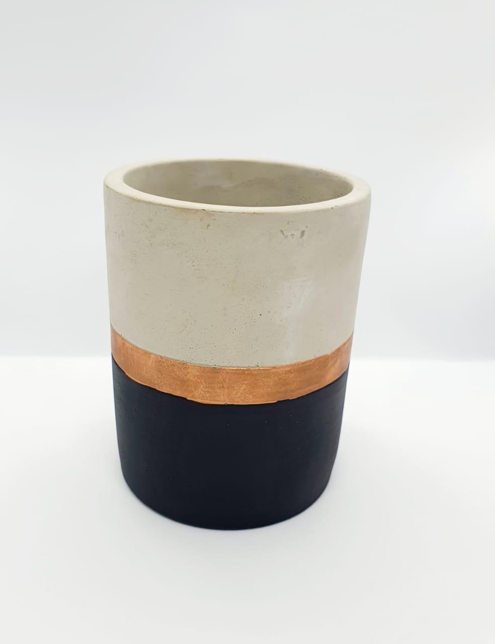 Vaso decorativo de cimento em preto e cobre - grande