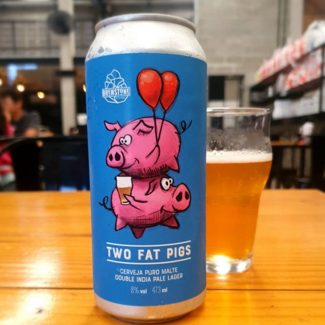 Cerveja Brewstone Two Fat Pigs Double India Pale Lager (Double IPL) Lata 473ml