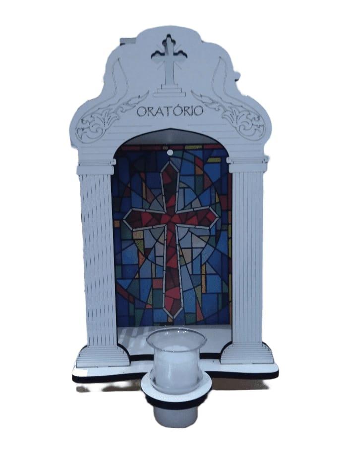 Oratório branco com vela