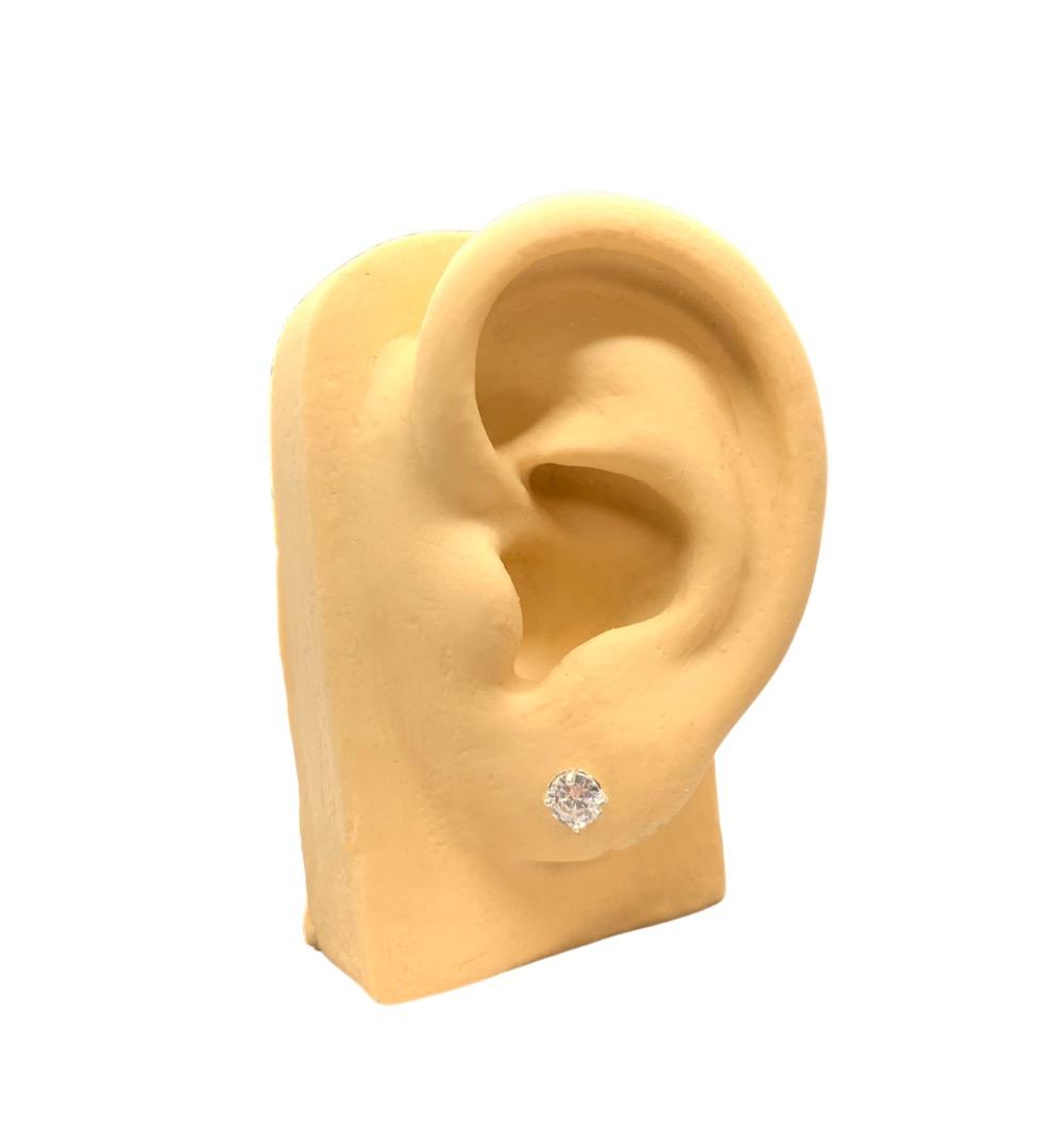 Brinco Prata Pedra com Contorno Cravejado PB20556