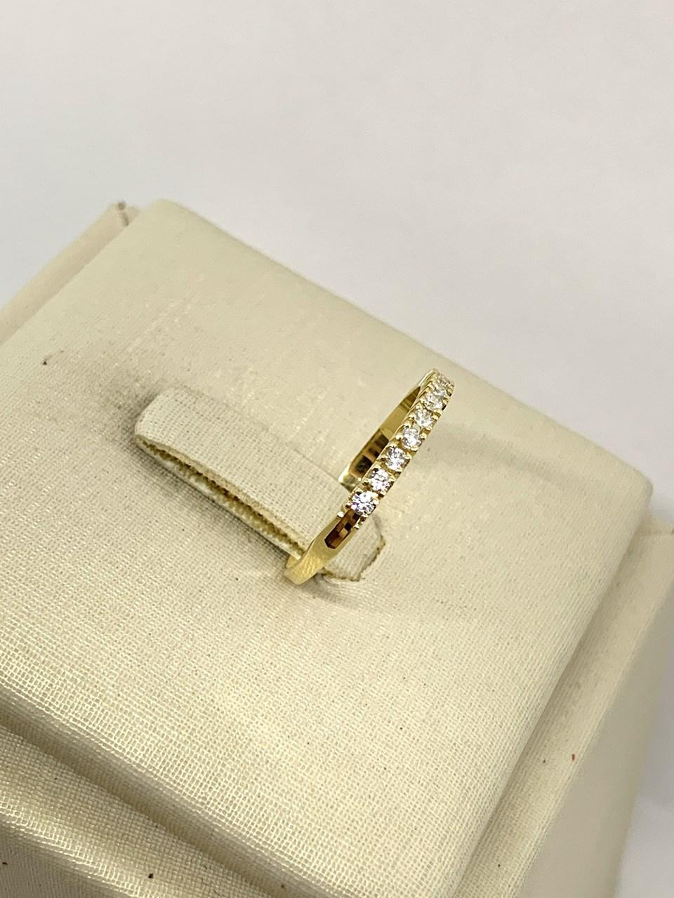 Meia Aliança Ouro 18k Cravejada 1,5mm Jjoias Premium